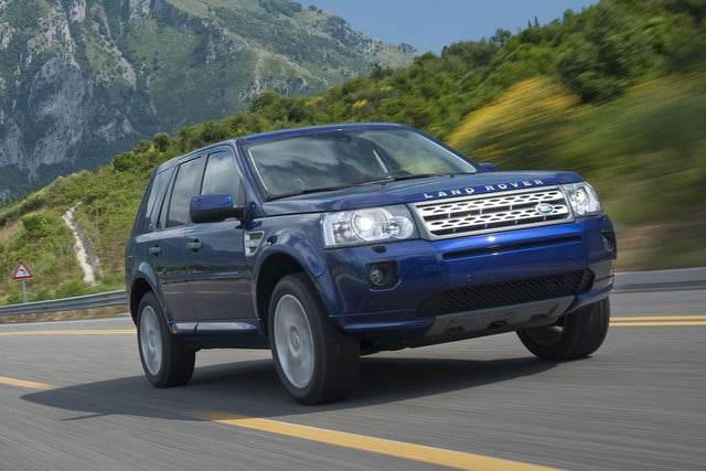 11 cars that will go extinct in 2016 2011 land rover lr2 19