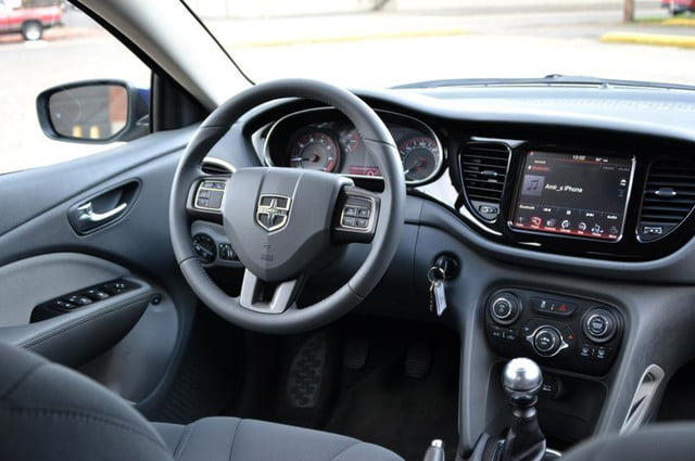 chrysler uconnect 2013 dodge dart review front area 2 850x565