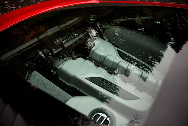 2014 Audi R8 V10 engine window