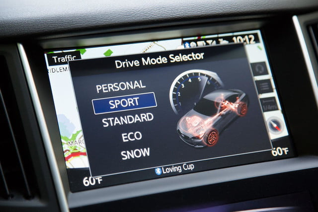 2014 Infiniti Q50S drive mode screen
