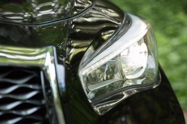 2014 Infiniti Q50S headlight