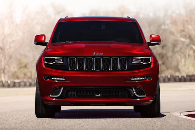 2014-Jeep-Grand-Cherokee-SRT-front-3