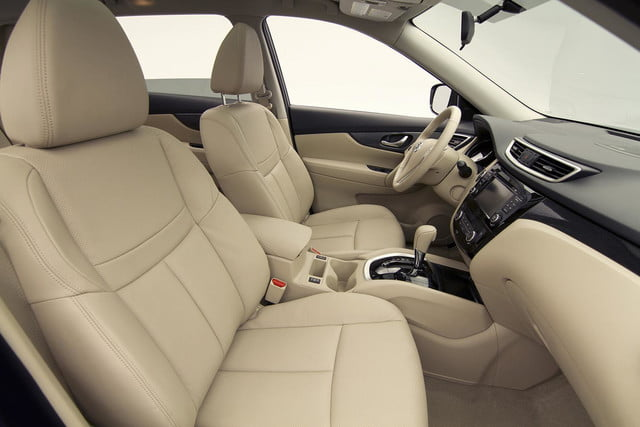 2014 Nissan Rogue SV front interior side