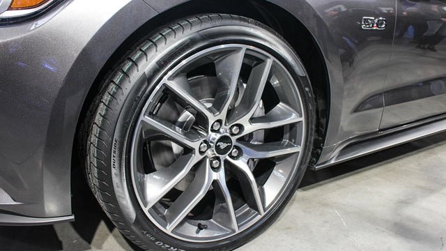 2015 ford mustang wheels