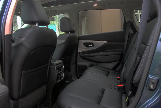 2015 Nissan Murano review rear seats