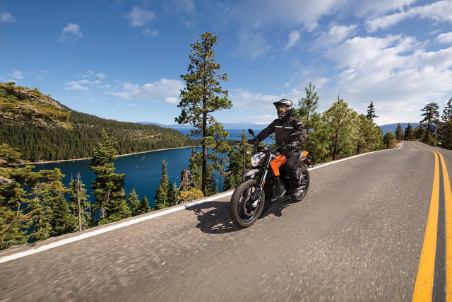 zero motorcycles introduces new models 2016 ds action 01 4800x3200 press