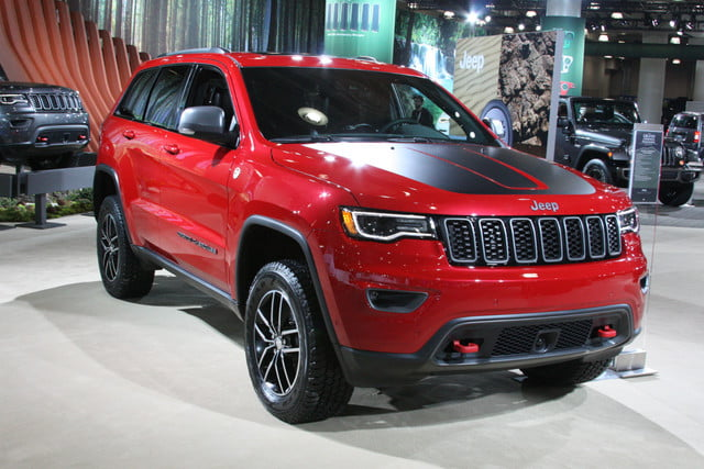 2017 Jeep Grand Cherokee Trailhawk red