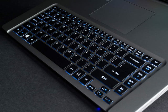 Acer Aspire R7 keyboard lit