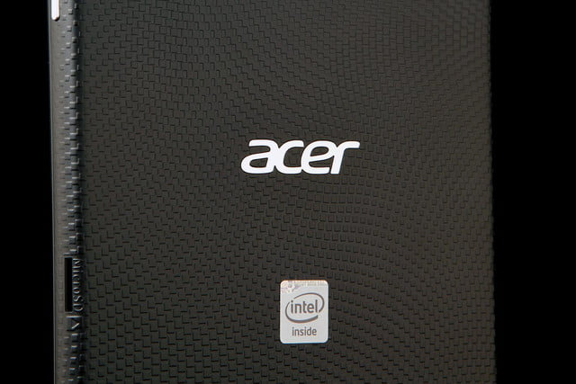 ACER Iconic ONE 7 back mid