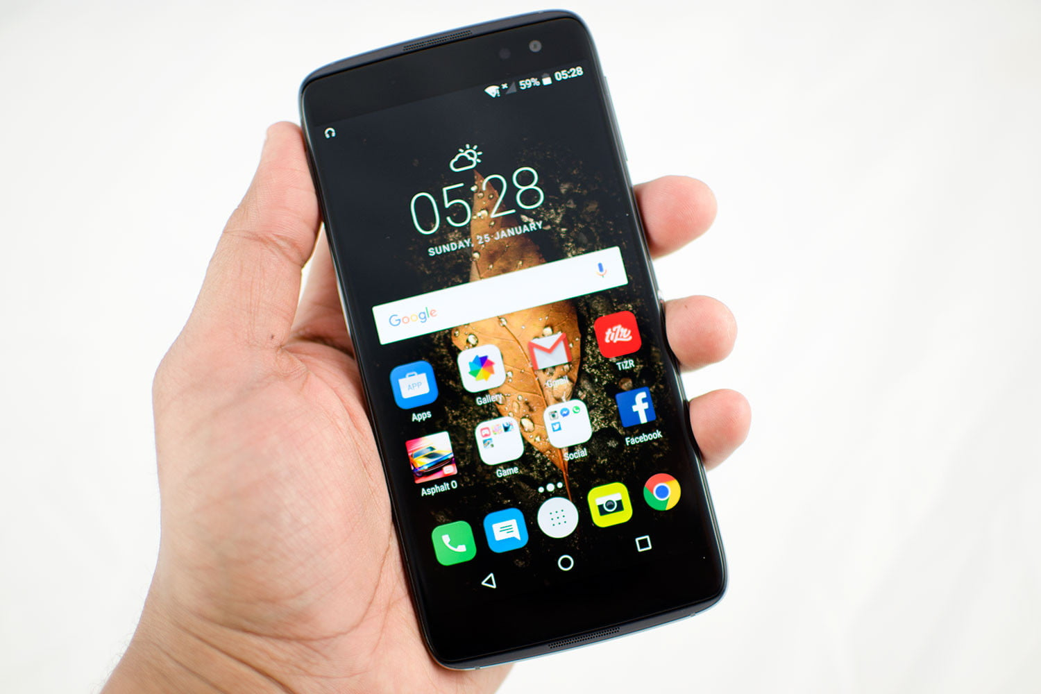 alcatel announces the idol 4 and 4s and the plus 10 laptop hybrid. Black Bedroom Furniture Sets. Home Design Ideas