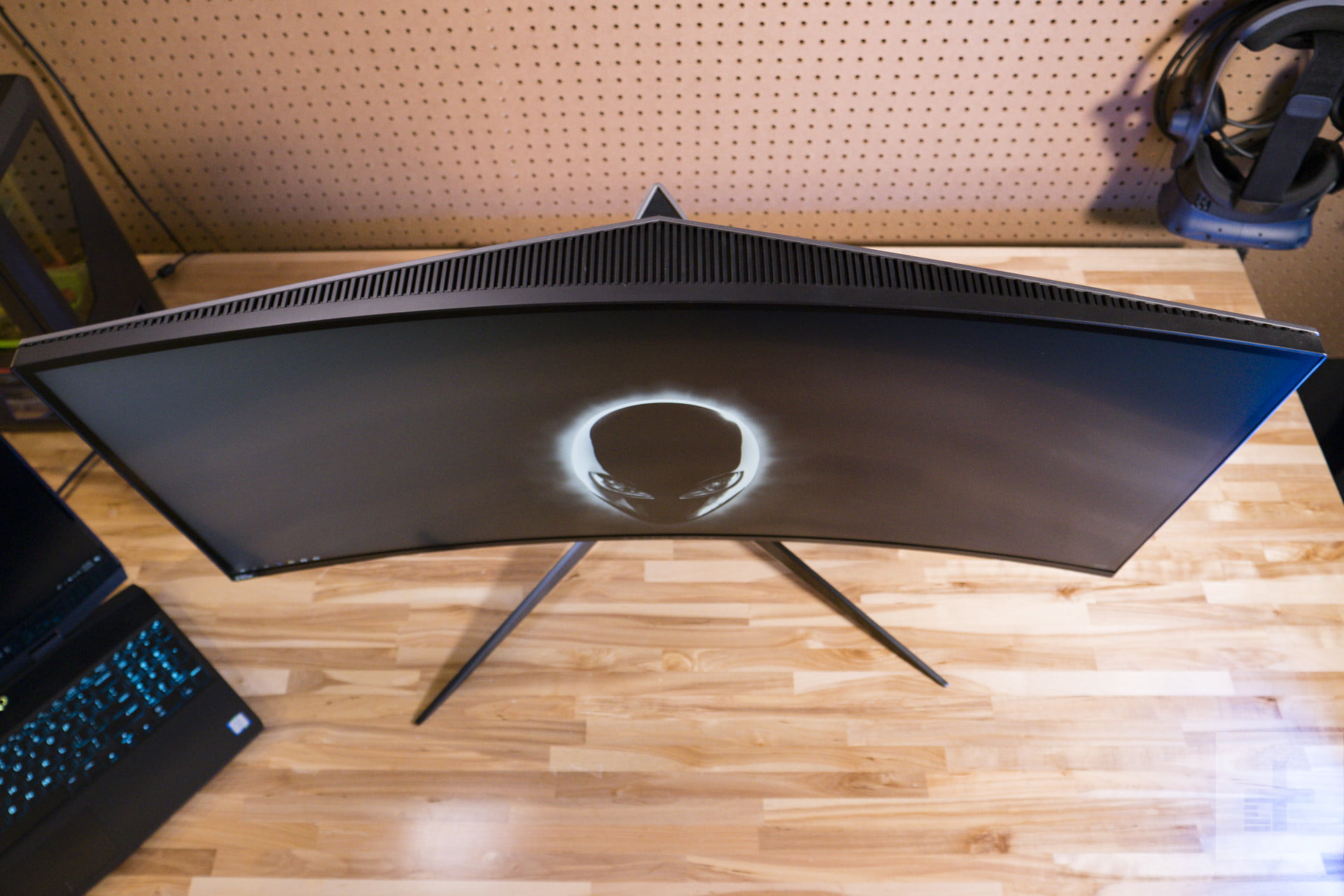Alienware Aw3418dw Review Immersive Gaming Pleasure