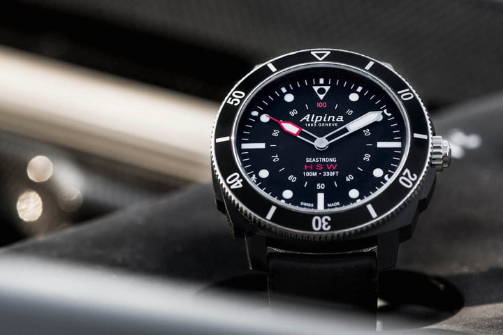 what is a hybrid smartwatch alpina seastrong