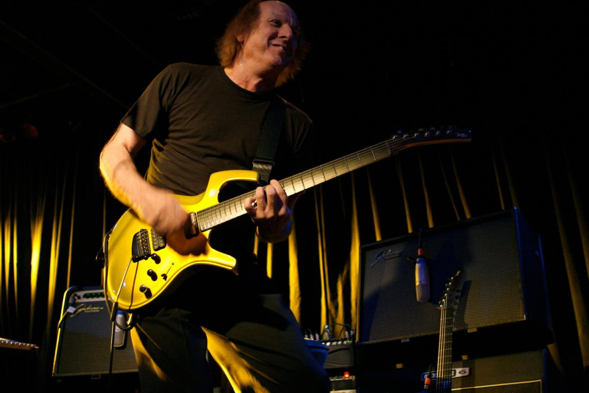 interview king crimsons adrian belew tells all about flux music app audiophile 002