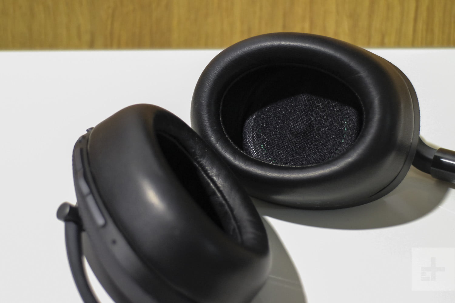 bowers and wilkins px wireless headphones. bowers wilkins px and 008 wireless headphones l