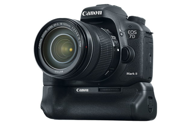 hands on review canon eos 7d mark ii battery 2 press image