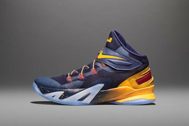 nike zoom soldier 8 flyease system for disabled people 150714 0002