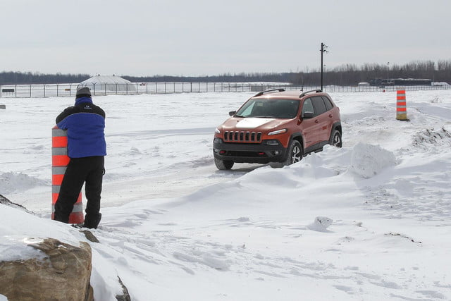 fiat chrysler four wheel and all drive specs 2015 fca winter 2 1