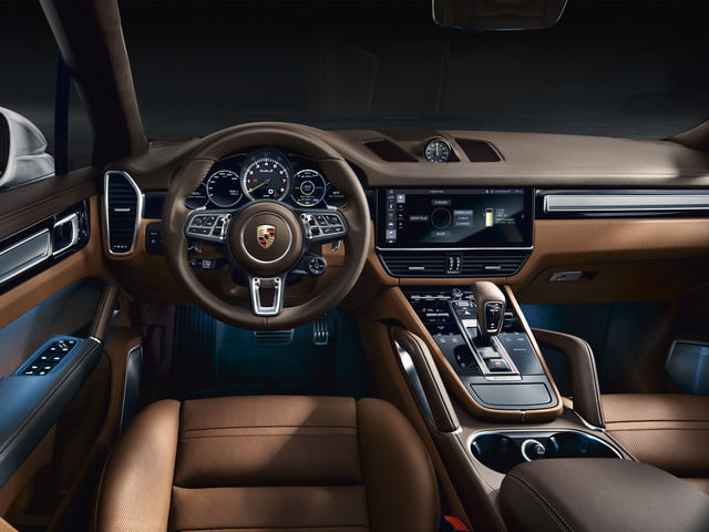 2020 porsche cayenne turbo s e hybrid delivers 670 hp electrified punch tseh 8