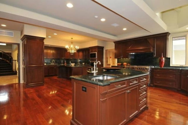 50 cent filed for bankruptcy still has his 52 room mansion kitchen