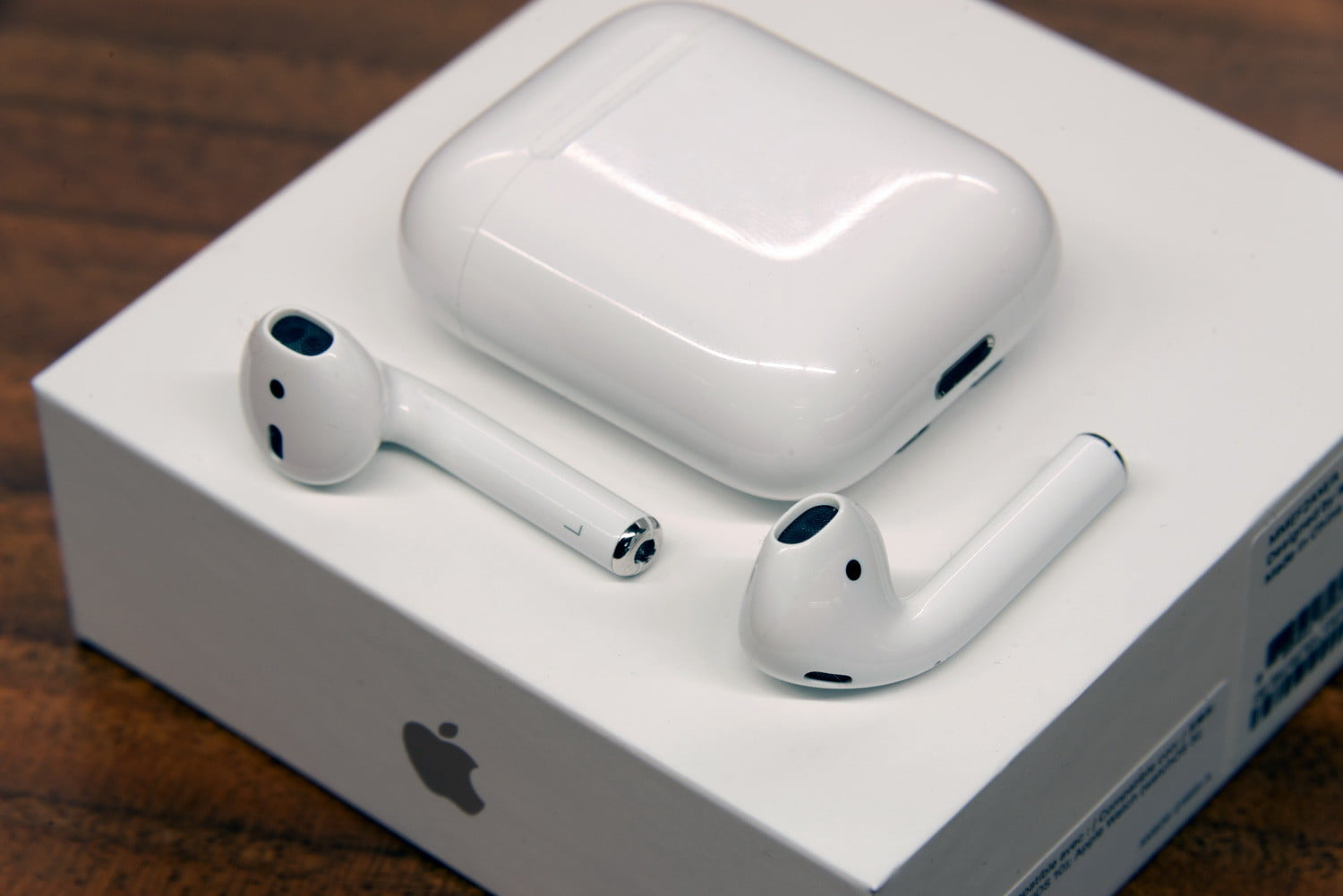 Apple Airpods Review 1st Gen Specs Price Features And More