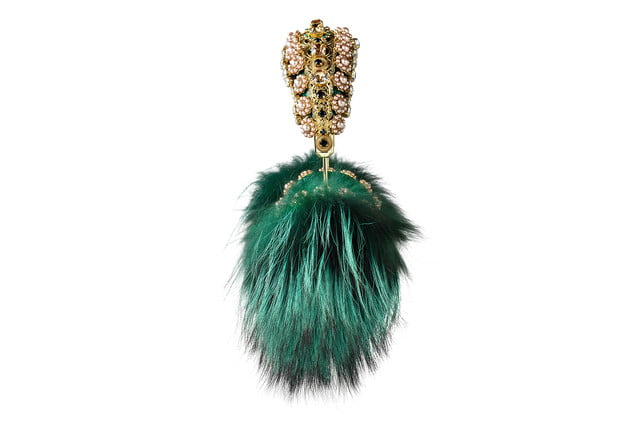 rihanna sells out 9000 dollar dolce gabanna headphones gabbana frends green fox fur angle1