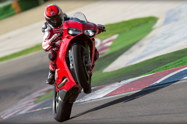 worlds fastest motorcycles ducati 1299 panigale s 0004