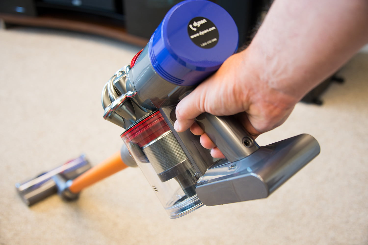 Dyson V8 Absolute Review | Digital Trends
