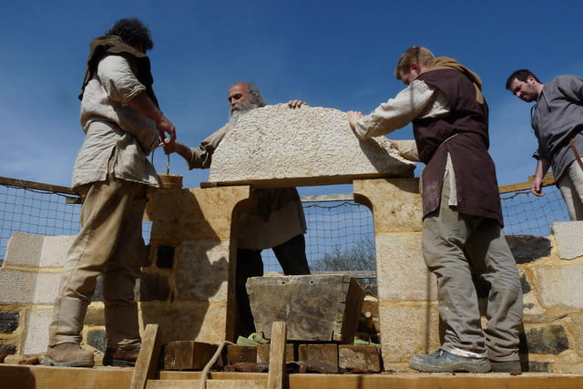 the guedelon castle is being built with 13th century techniques gu  delon 0023