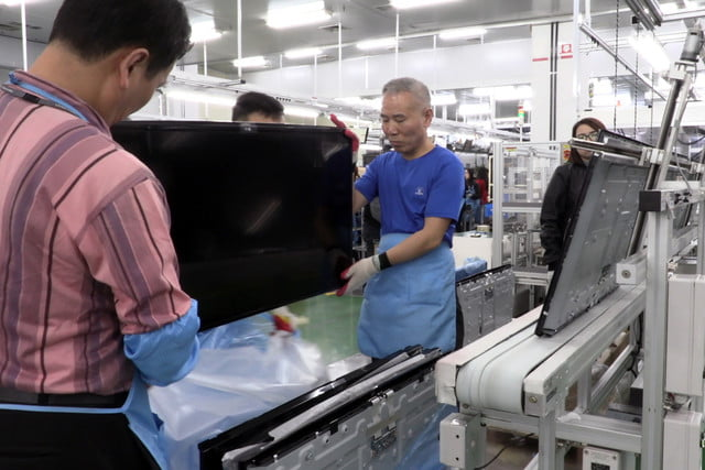 exclusive tour of lgs manufacturing and assembly lines gumi facility 001