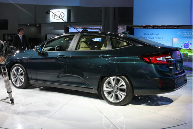 honda clarity plug in hybrid news specs performance range rear