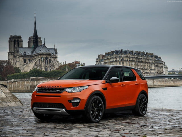 Land_Rover-Discovery_Sport_front angle