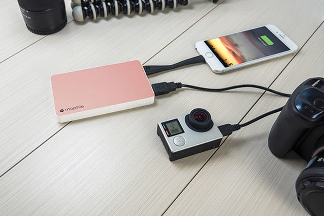 mophie external batteries wireless charging station press 01