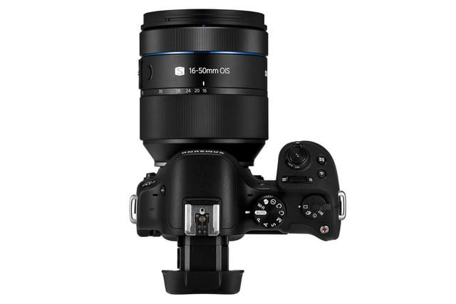 samsung announces nx30 and 16 50mm 4