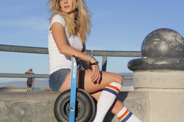onewheel electric skateboard lifestyle image 7