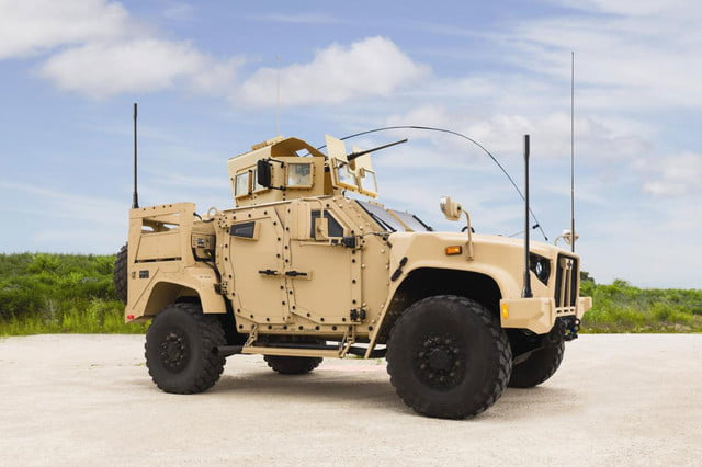 oshkosh 6 75b military contract pictures specs news jltv 001