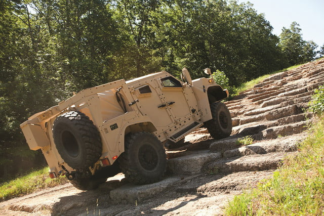 oshkosh 6 75b military contract pictures specs news jltv 0010