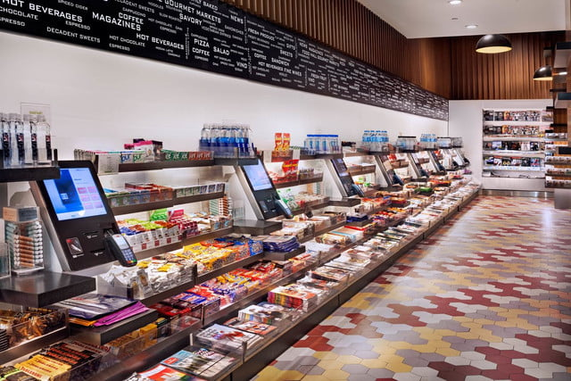 otgs techie food hall at laguardia airport is one of first to accept apple pay otg terminalc 5