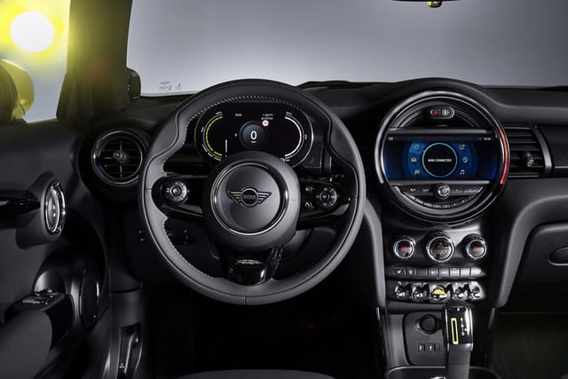 2020 mini cooper se electric city car specs range and price p90357972 highres