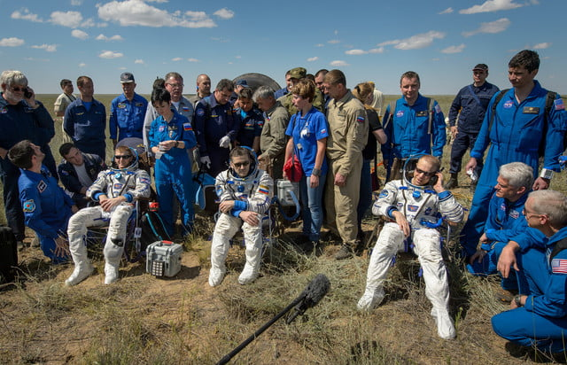 iss astronaut trio return to earth soyuz landing 6
