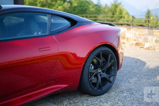 revision aston martin dbs superleggera 2019 first drive review 7 800x534 c