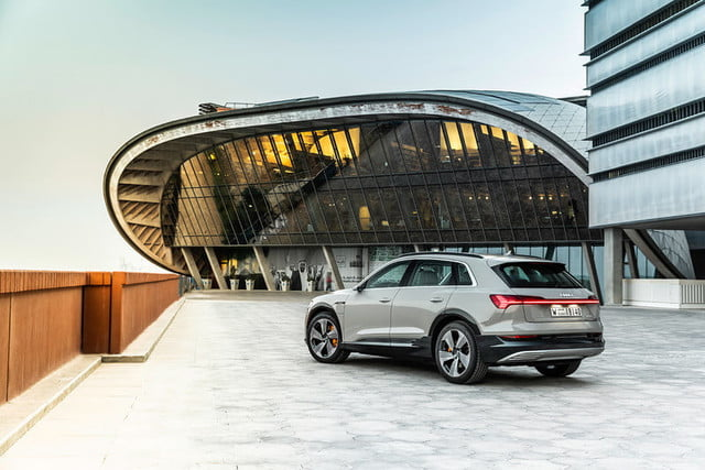 audi e tron suv electrica 2019 revision first drive press 3 800x534 c
