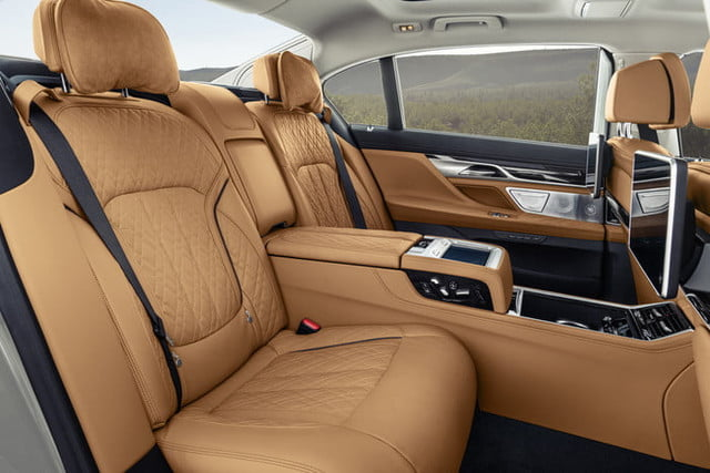 bmw serie 7 2020 official 18 700x467 c
