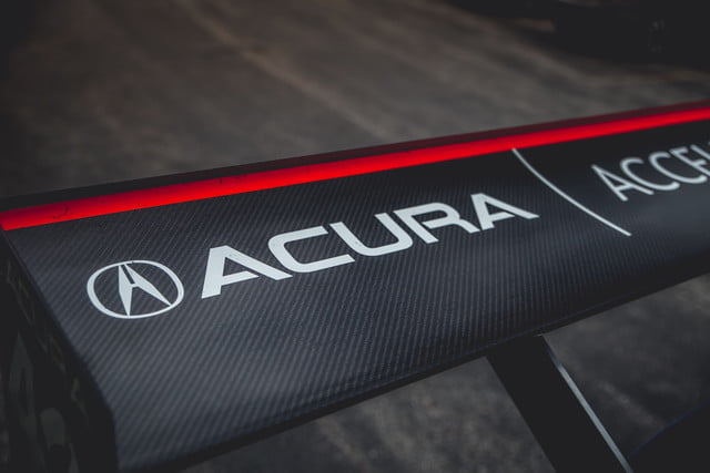 acura pikes competicion 2017 nsx and tlx 8