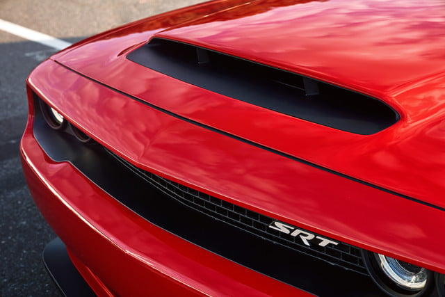 dodge demon precio venta the functional air grabber  hood scoop on 2018 challenger srt is largest of any production car measu