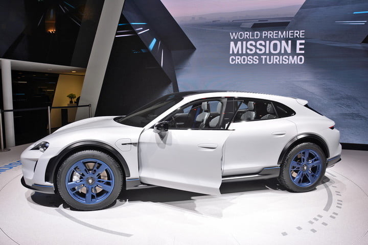 Porsche Mission E Cross Turismo live