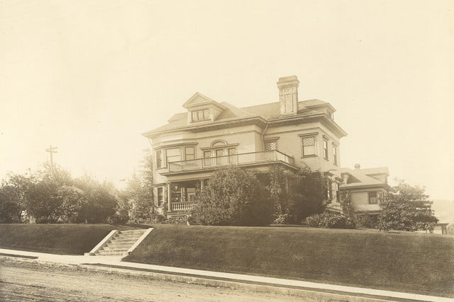 haunted houses places in america flavel house