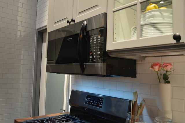 appliance trends kbis 2017 frigidaire gallery black stainless steel microwave