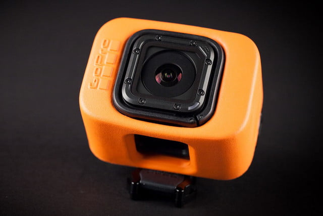 GoPro Hero 4 session hands on top angle 2