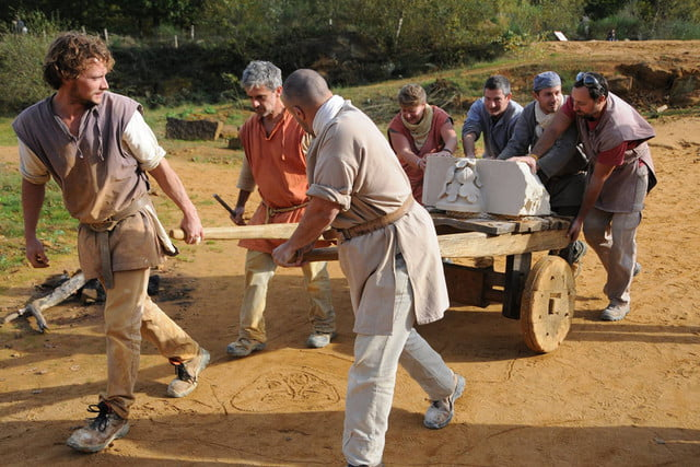 the guedelon castle is being built with 13th century techniques gu  delon 0020