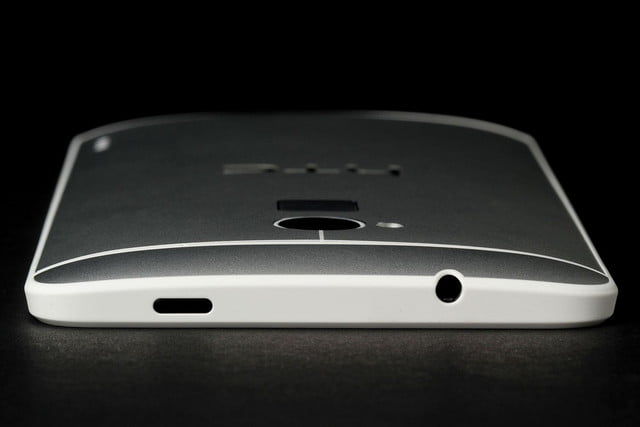 HTC-One-Max-top